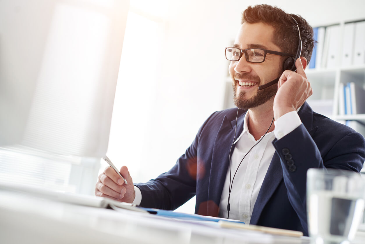 Full-time vs. Virtual Receptionists — Which Is Right for You?