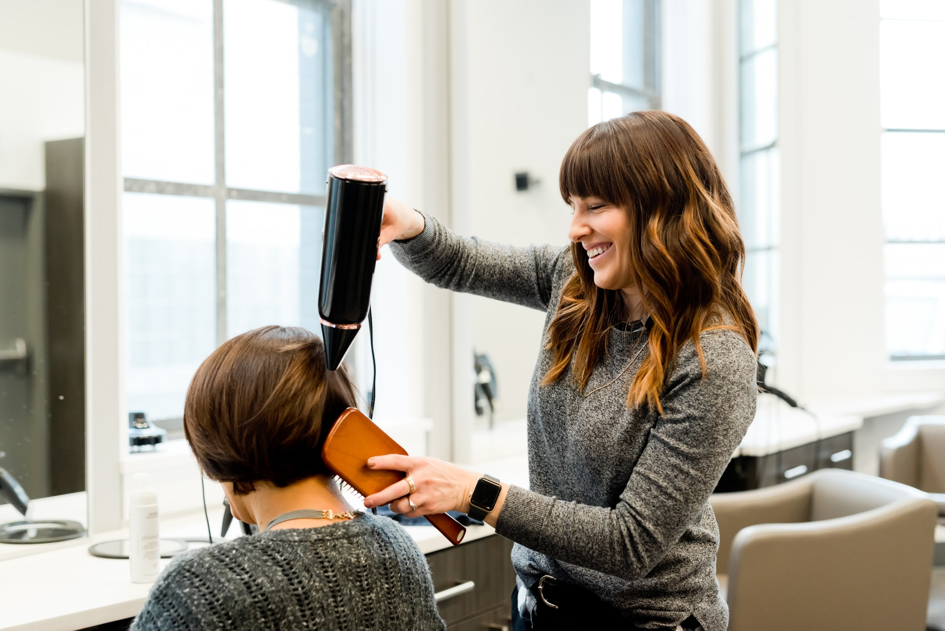 10 Video Marketers to Learn from to Grow Your Hair Salon's Followers on TikTok, YouTube & Facebook