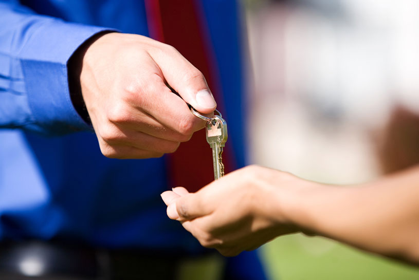 Handing over keys to a new Victorian property