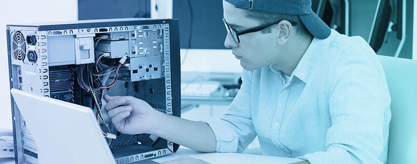 Computer Service Technician | Definition, Job Description & Salary!