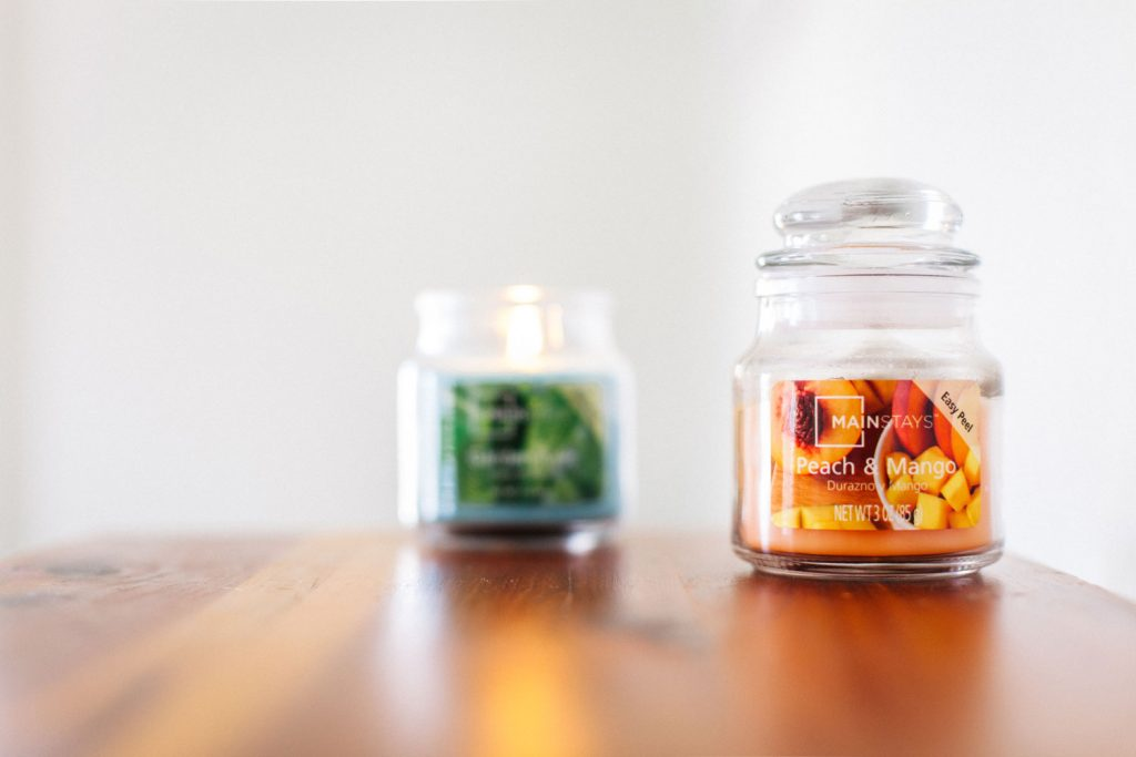photo of mainstay peach and mango candle