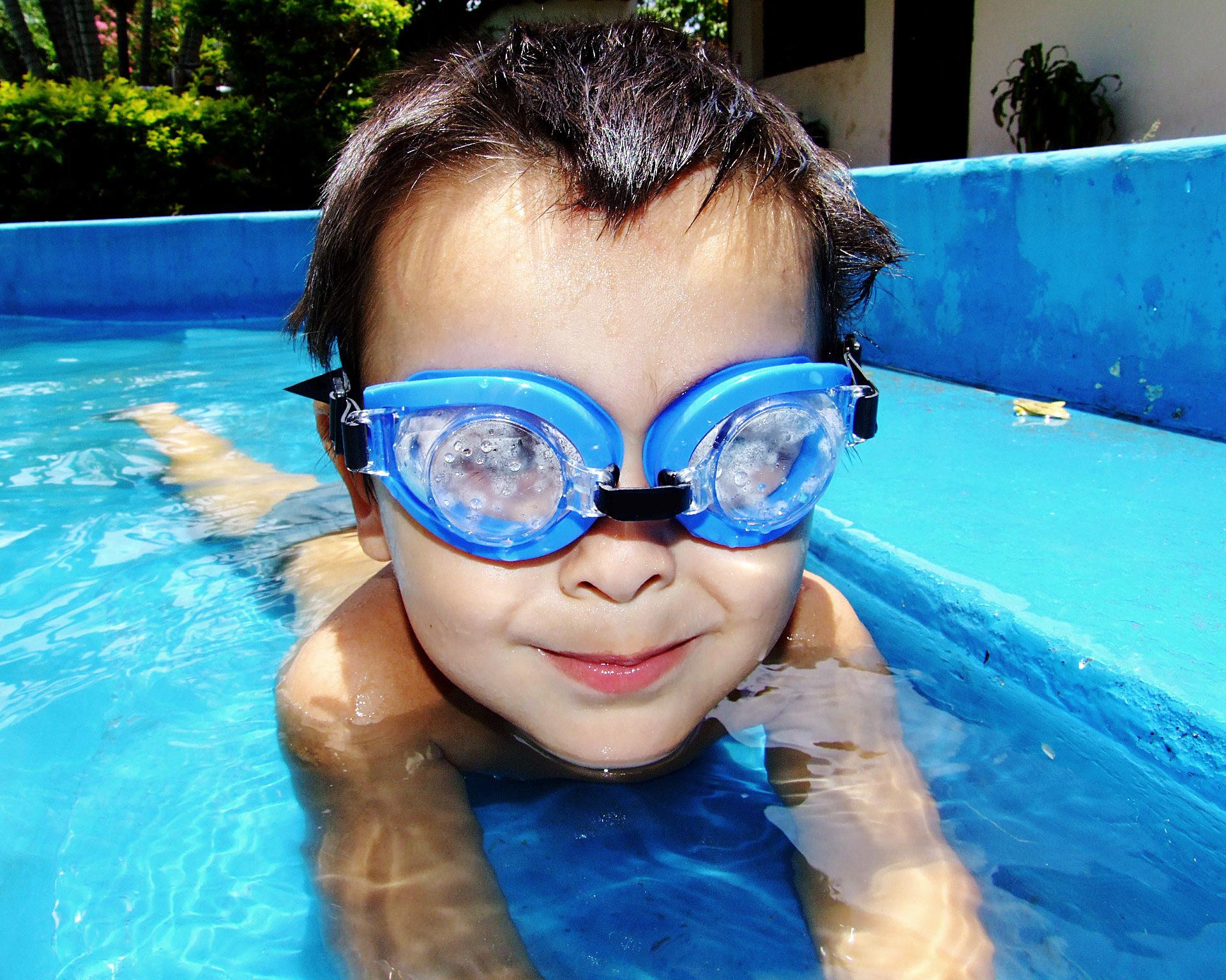 Figura 4. Os óculos de proteção evitam irritações e inflamações nos olhos (Fonte: Pixabay)