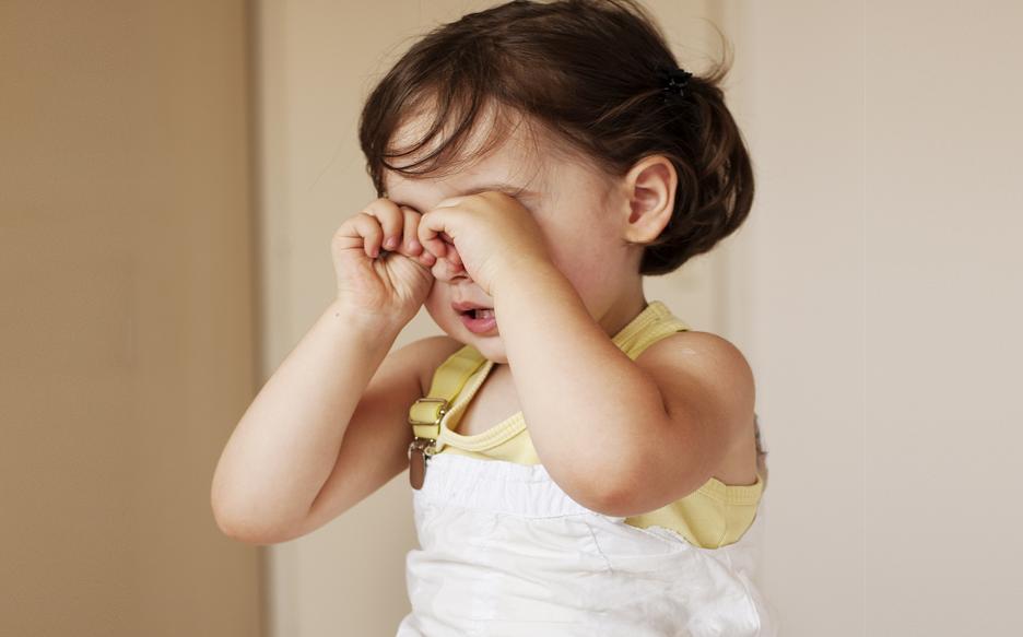 Figura 2. Coçar os olhos pode provocar lesões neles. (Fonte: Pixabay)