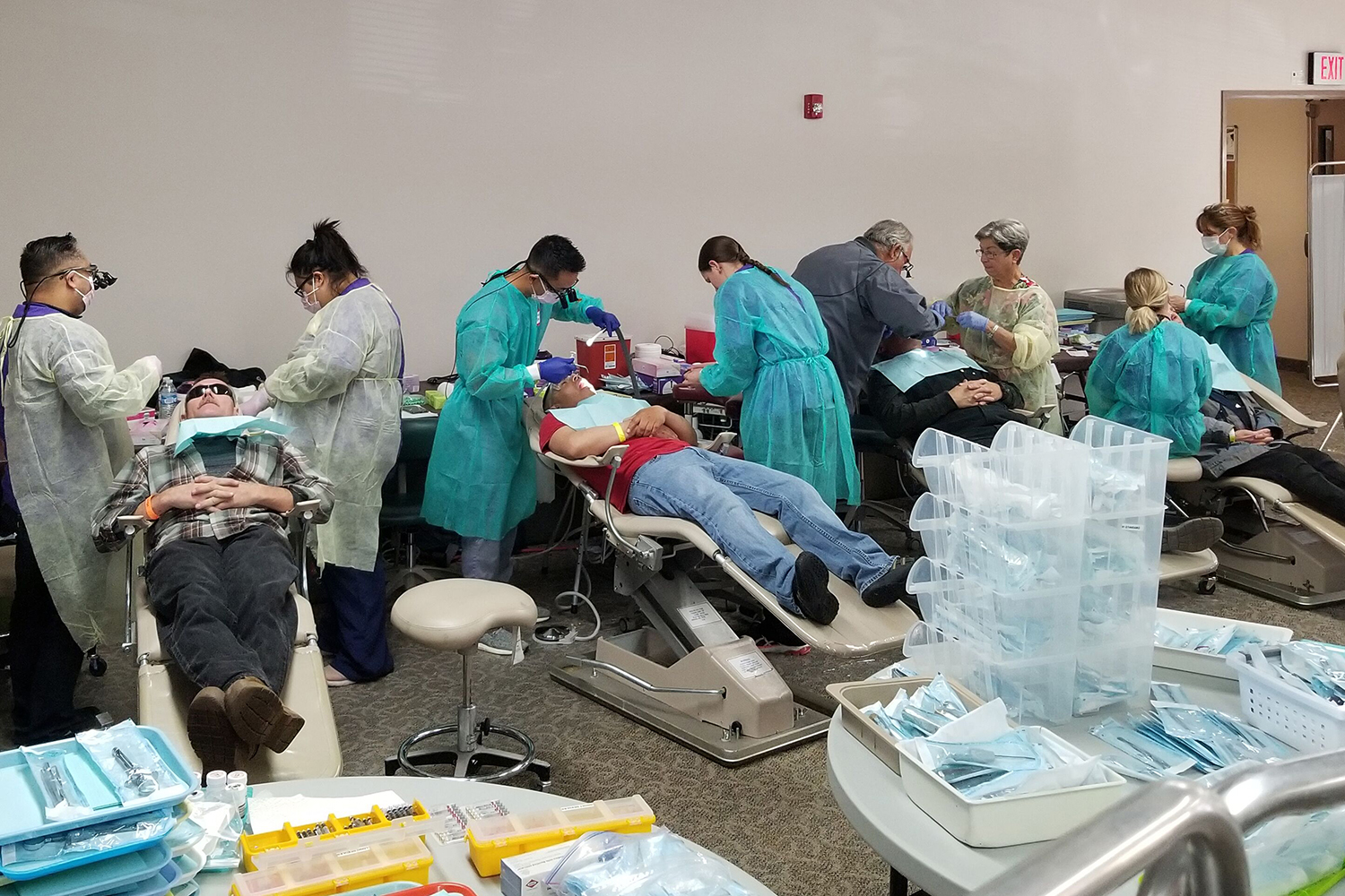 Sandy Pop-up Dental Clinic Serves More than a Hundred Patients