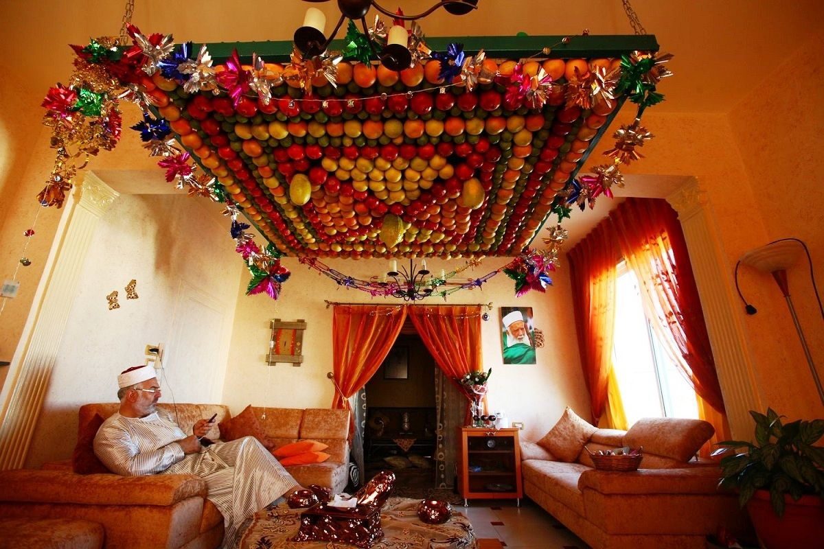 Israelite-Samaritan Sukkot: A Fruity Sukkah Made from the Four Species