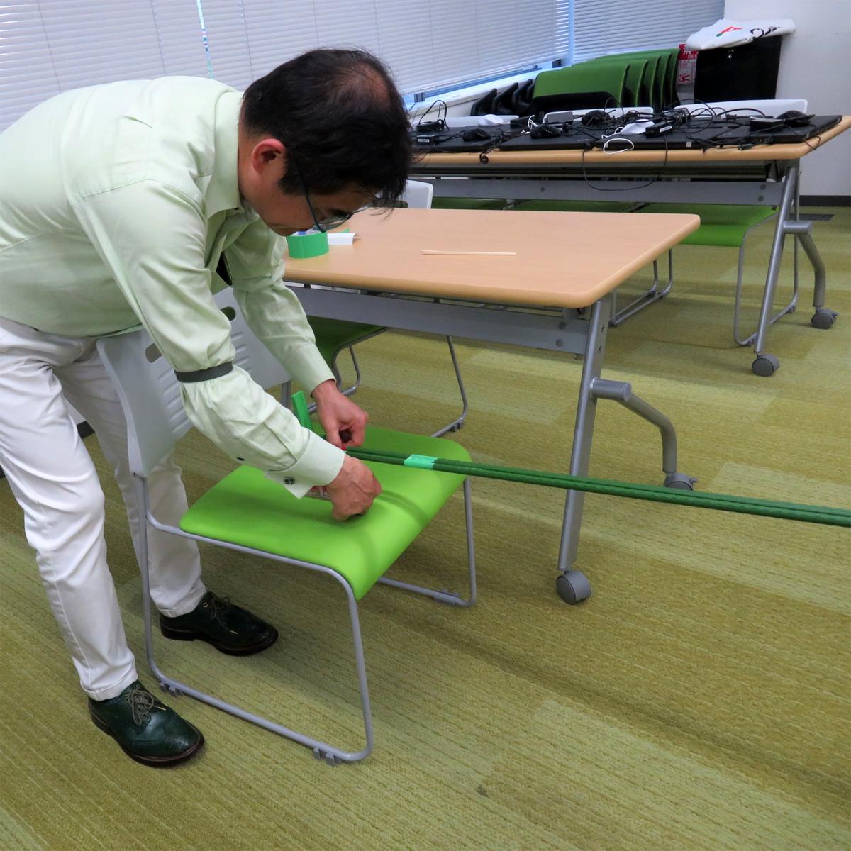 CEO:園芸用の緑色の棒で・・・