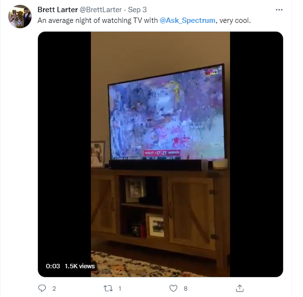 Tweet from Spectrum TV watcher complaining about AWS outage