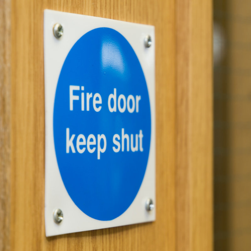 Photo of a Fire Door keep shut sign