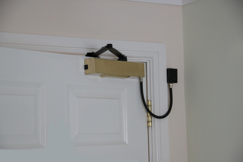 Freeswing Electromagnetic Door Closer