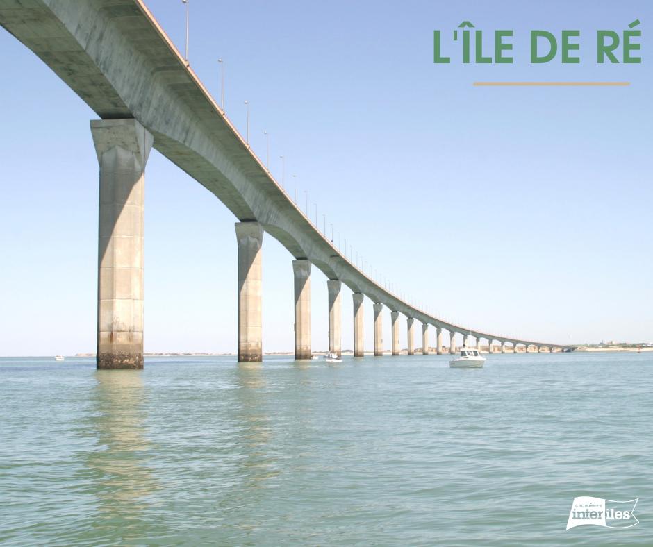 Passage sous le pont de l'île de Ré.
