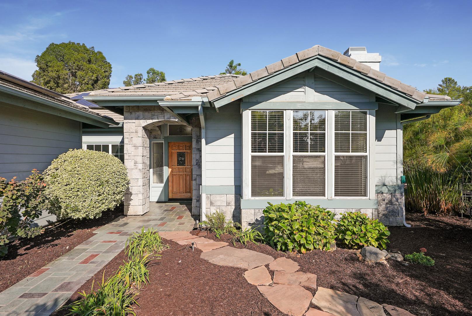 1960 Hamilton Ln, Escondido, California 92029
