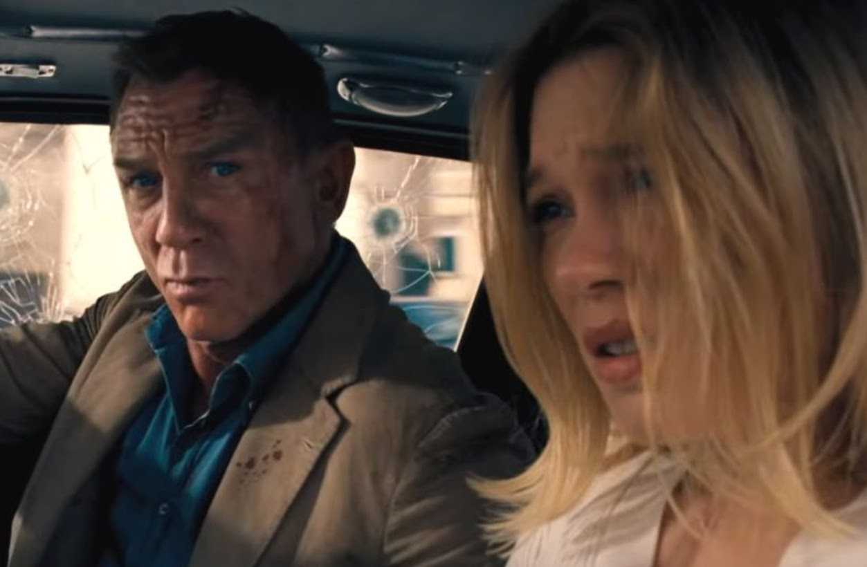 Daniel Craig as James Bond and Léa Seydoux as psychiatrist Dr. Madeleine Swann in No Time To Die