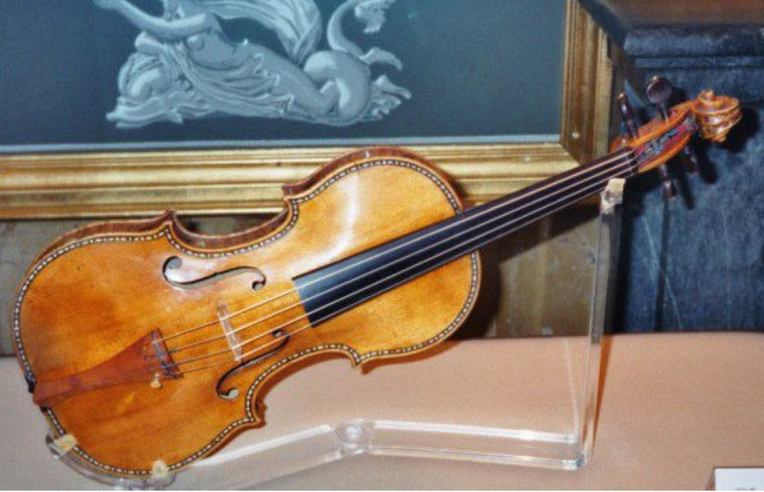Concert violinist Erica Morini's violin has never been recovered