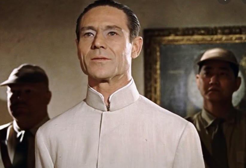 Dr No worked with the Chinese Tongs