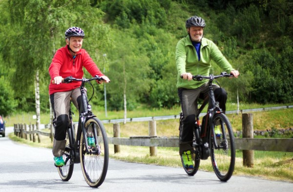 To menneske på sykkelryggen