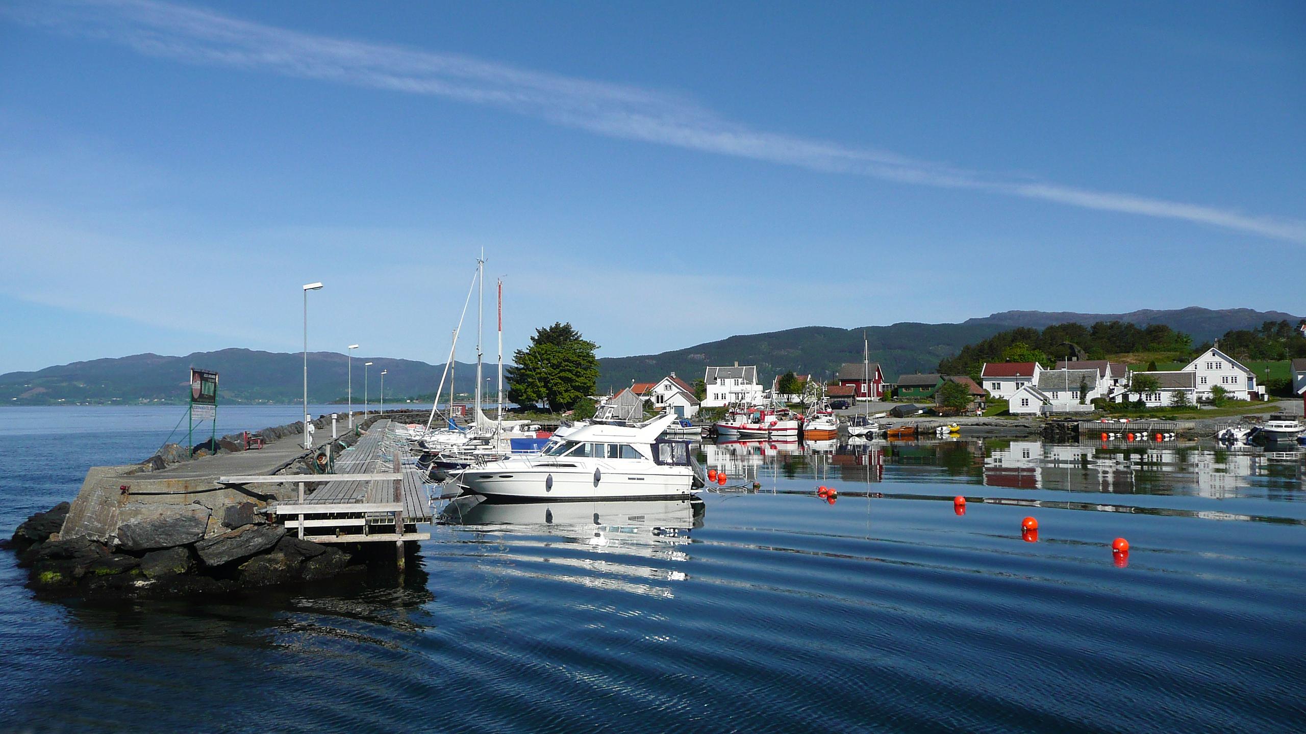 Utsikt over båthamn