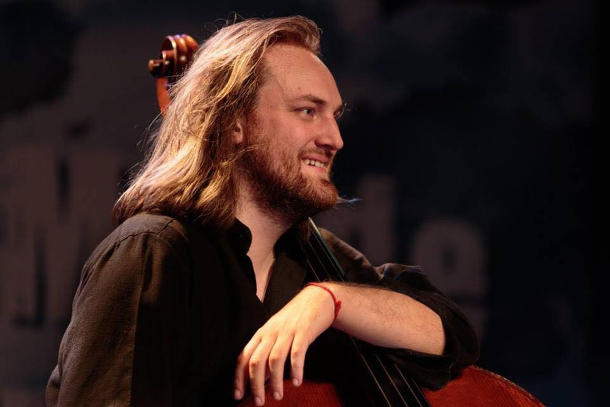 Seul contre basse: Adrien Tyberghein