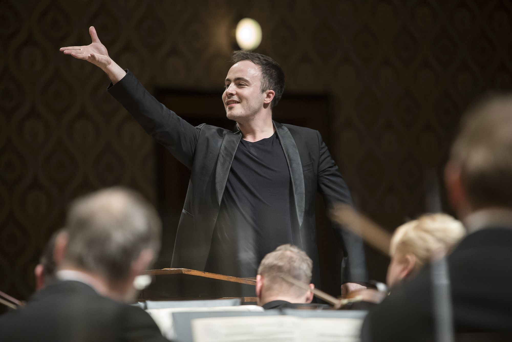 Brussels Philharmonic, Ben Gernon & Luis Fernando Perez