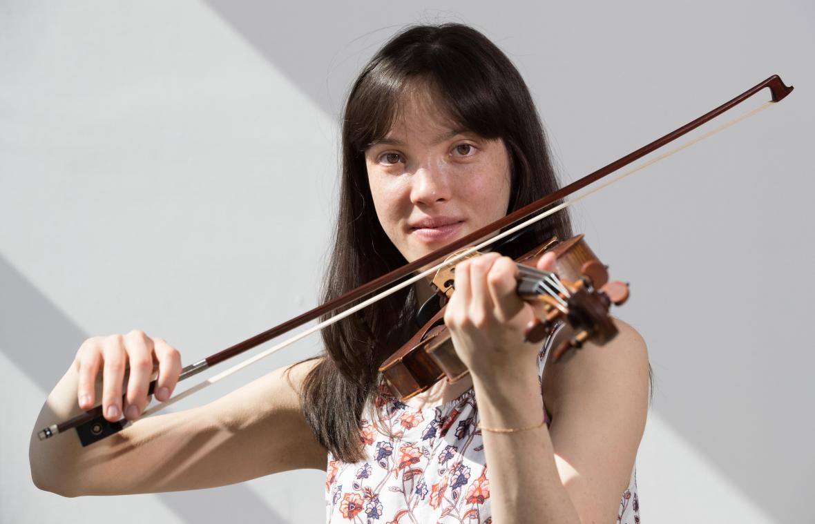 Sylvia Huang, Leonor Swyngedouw & Edward Vanmarsenille en concert sur Vedia !