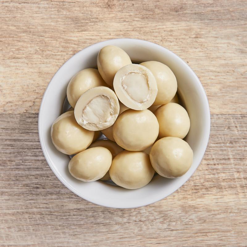 White Choc Macadamias Org 4kg