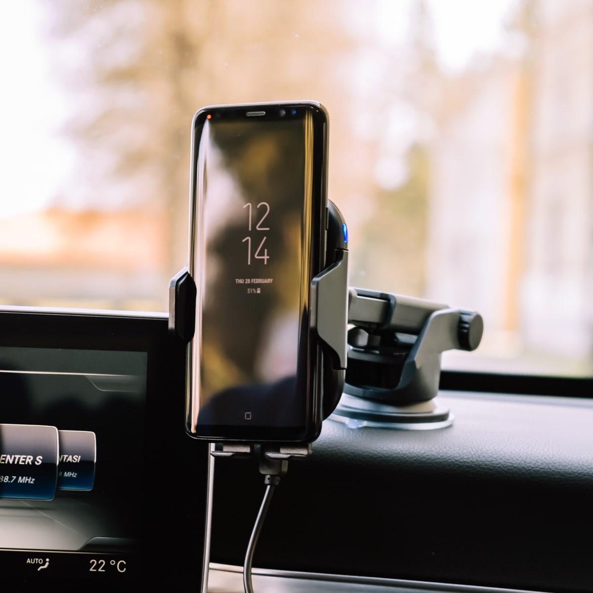 Csatlakoztassa az iphone 5-t a kocsihoz