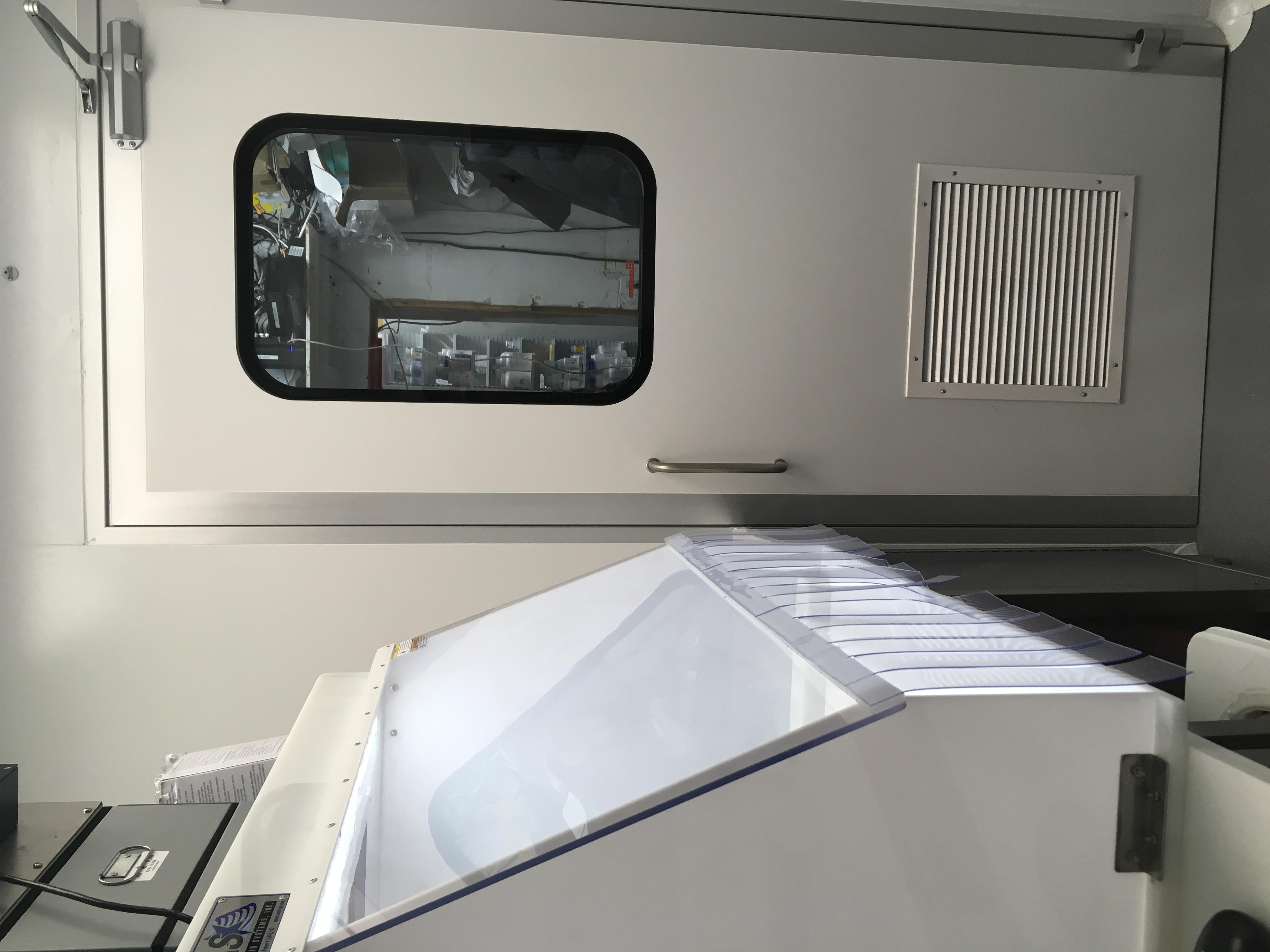 Nicomac anti scratch cleanroom panels and cleanroom doors