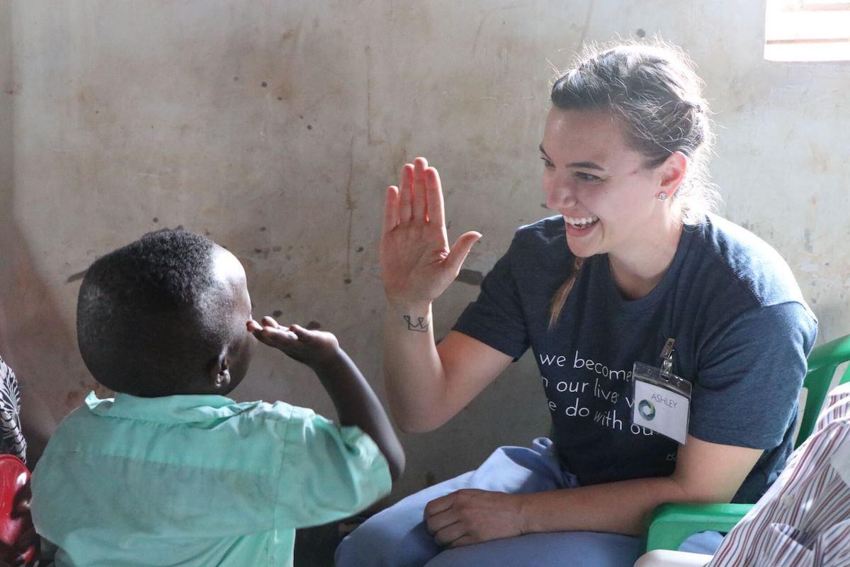 nurse ashley elsbernd on medical mission trip in africa finding a nursing volunteer opportunity