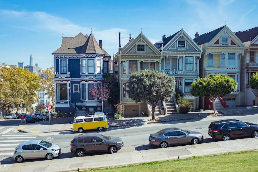 san francisco city street victorian house travel nursing in san francisco