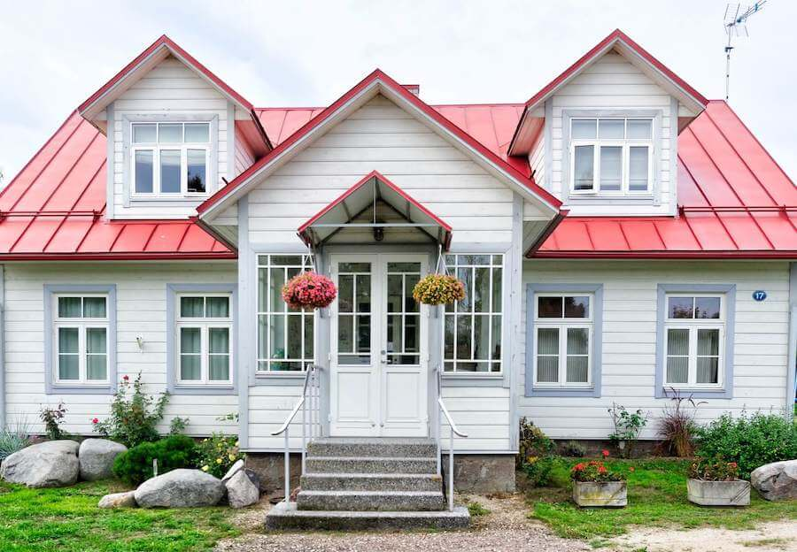 photo of front of cute cottage-style house home health nursing