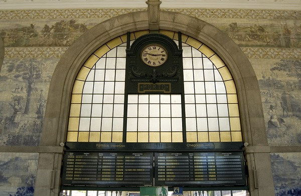 Sao Bento Station