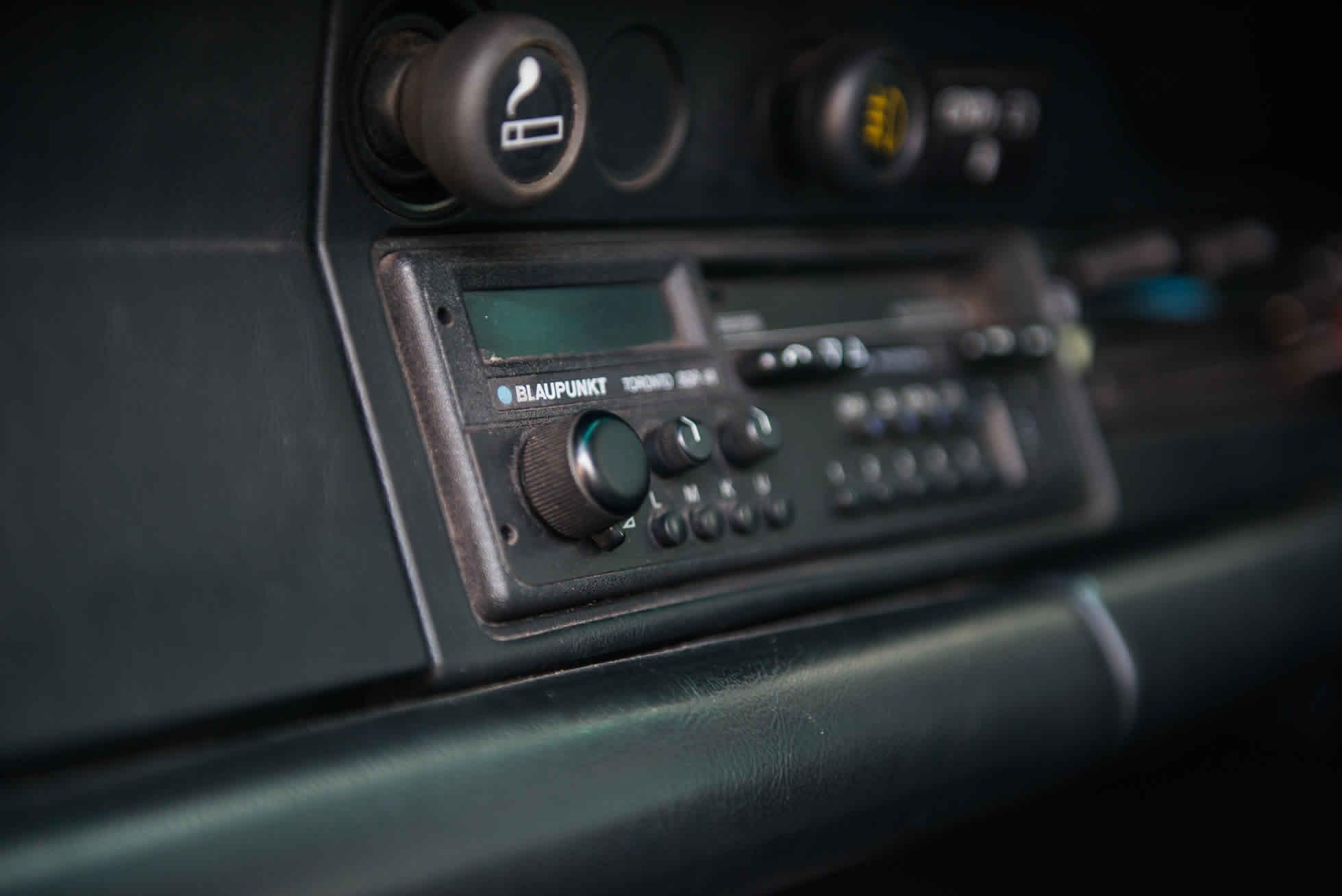 For Sale 1989 Porsche 3.2 Carrera Club Sport stereo