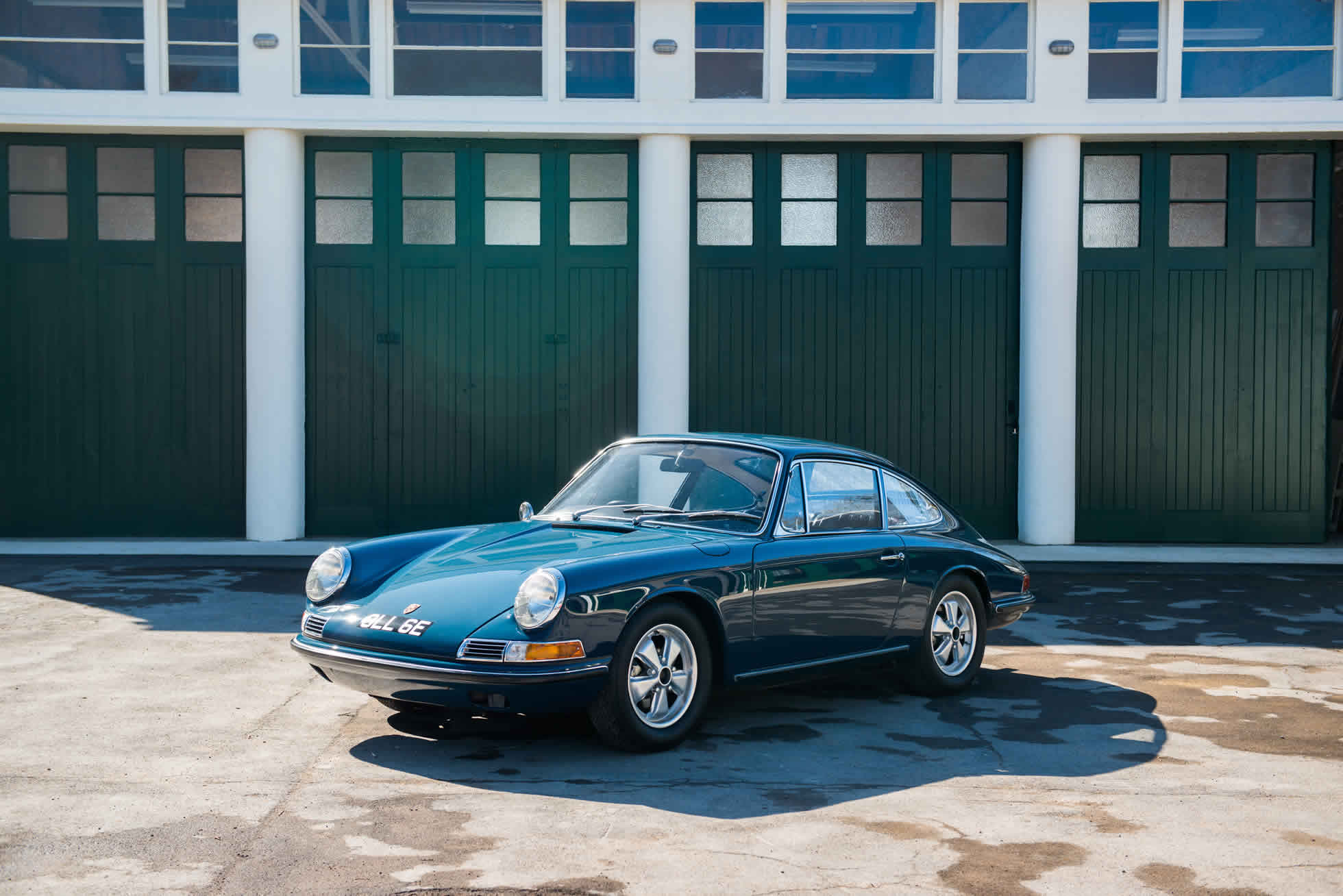 For Sale 1967 Porsche 911 S quarter view