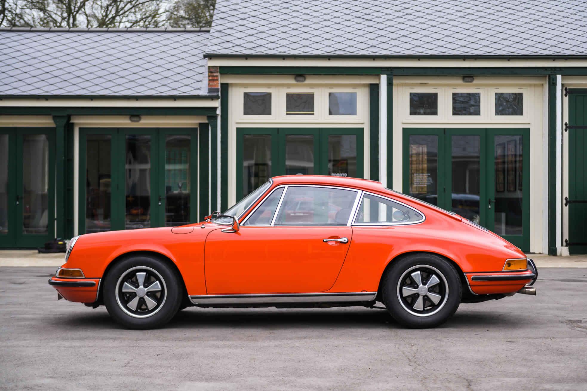 For Sale 1970 Porsche 911S 2.2 side view