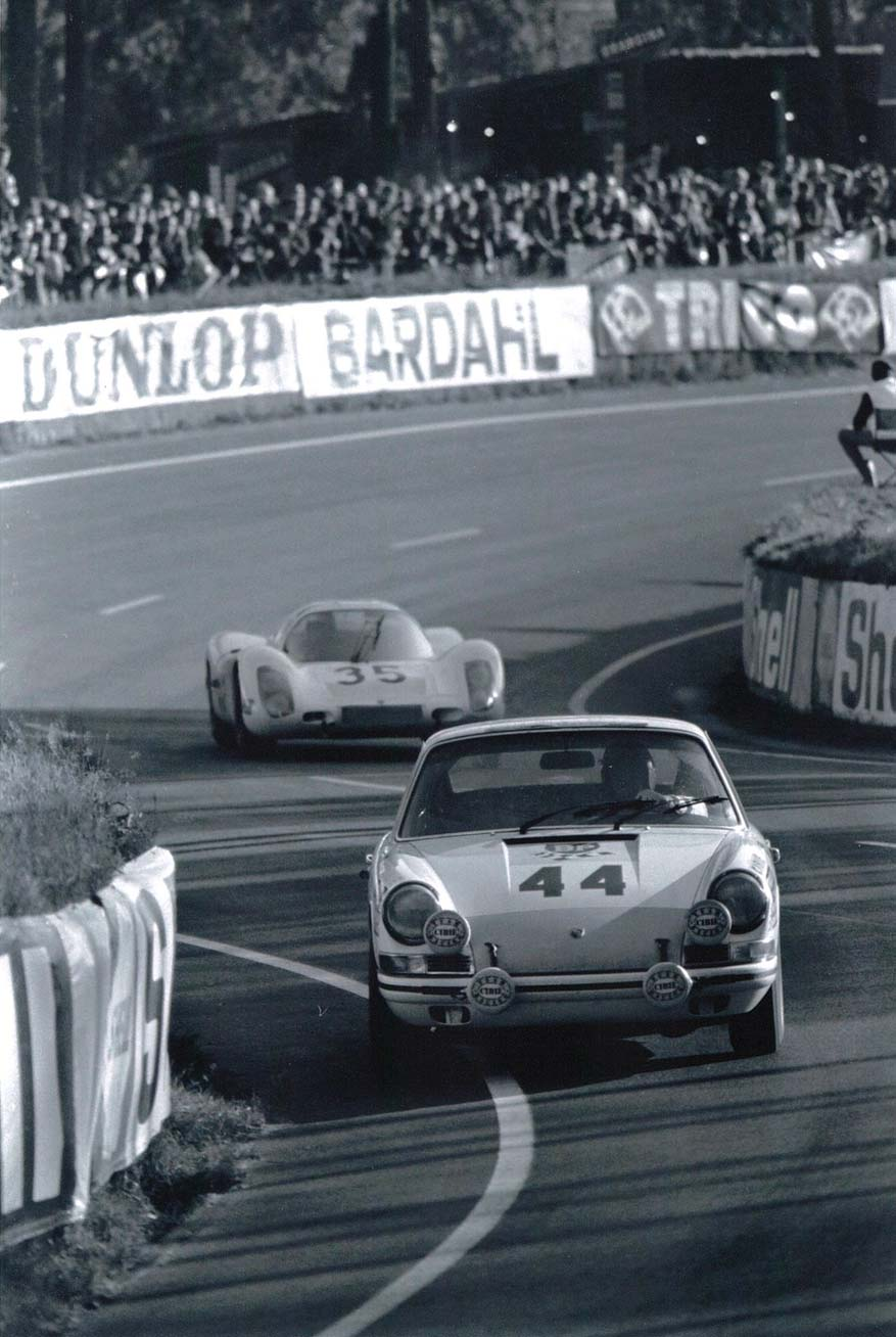 Claude Ballot-Lena driving a 911T at Le Mans in 1968