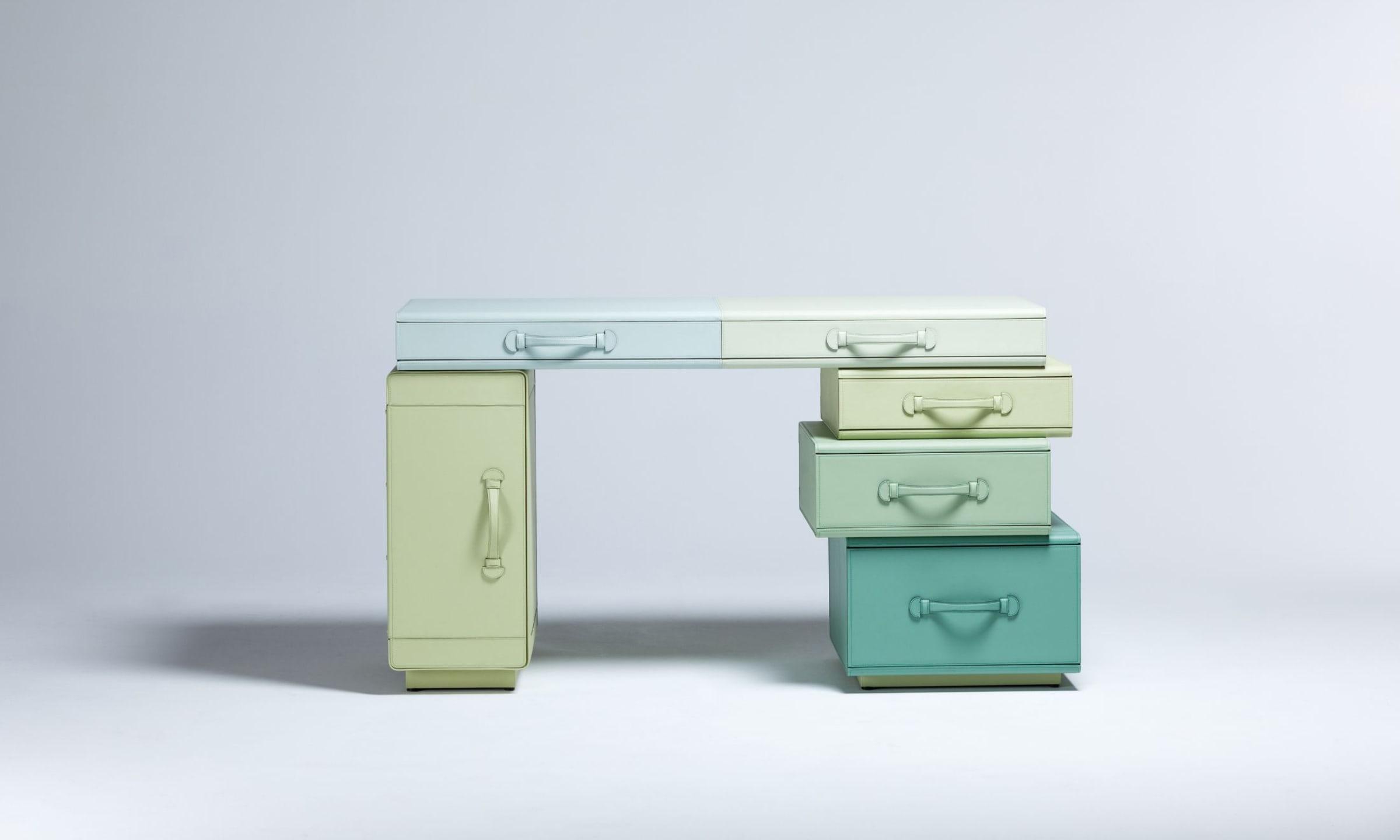 Maarten De Ceulaer - Writing Desk of Suitcases - 2 - picture by Nico Neefs