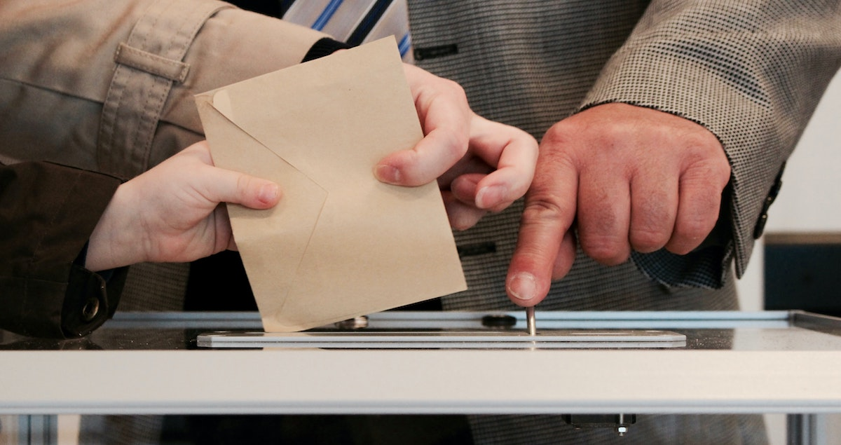 We Need Chief Elections Officials to be Umpires, Not Players