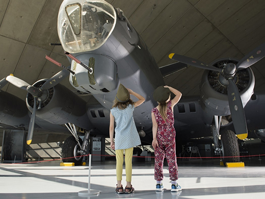 airplane museum free for kids activities in january