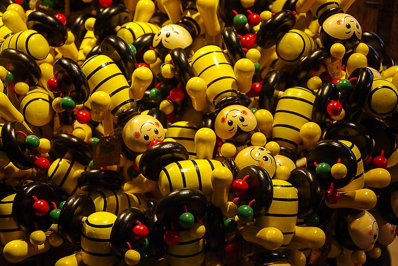 toy bumble bees