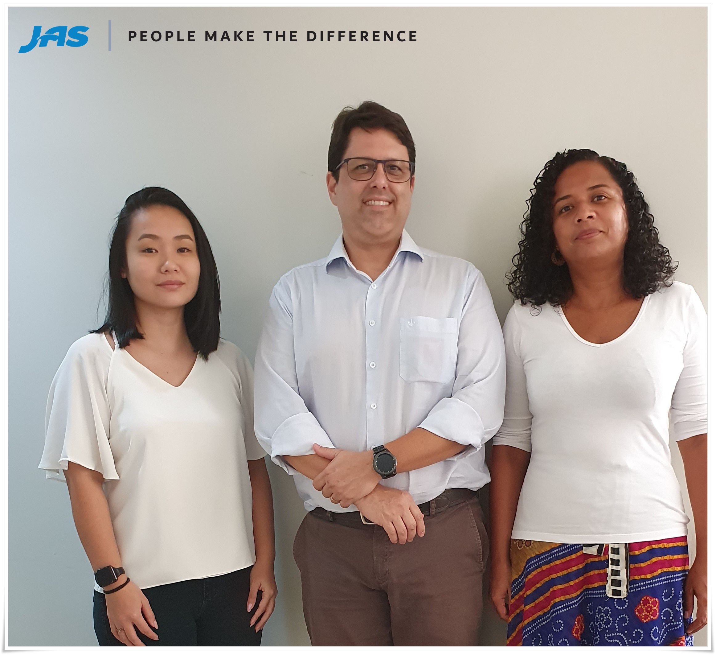 From left to right: Karina Mayeta - Operations Specialist, Bruno Lacerda - Business Development Manager, Eriene Fonseca- Operations Specialist