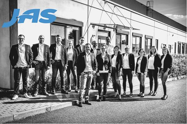 Left to right: Tobias Oxenius, Import Specialist; Michael Kunert, Customer Service Supervisor; Manuel Kießling, Vice President Sales and Marketing, Germany; Sanja Nesic, Export Specialist; Niklas Raniszewksi; Martin Kaltschmitt, Branch Manager; Thomas Semmelsberger, Export Supervisor; Rebecca Kaltschmitt, Import Specialist; Simon Friedel; Caroline Bohrmann, Business Development Manager; Christin Scholl; Hanna Berka, Export Specialist; Natascha Wetzel, Customer Service; Sascia Fetzner, Export Specialist