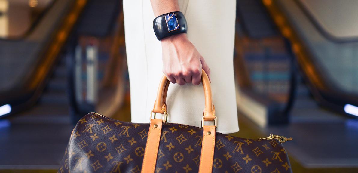 6 conseils en Marketing d'Influence des leaders de marques de luxe comme Aston Martin, Estée Lauder et bien plus encore