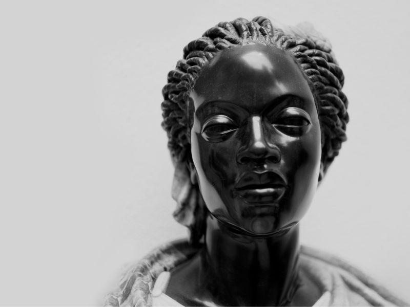 Image of statue representing Emilia