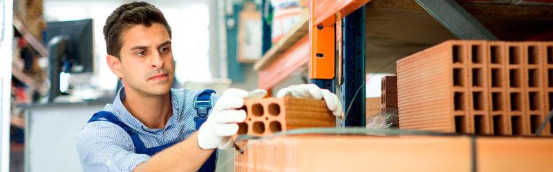 Entenda como armazenar materiais de obra para evitar perdas e estragos