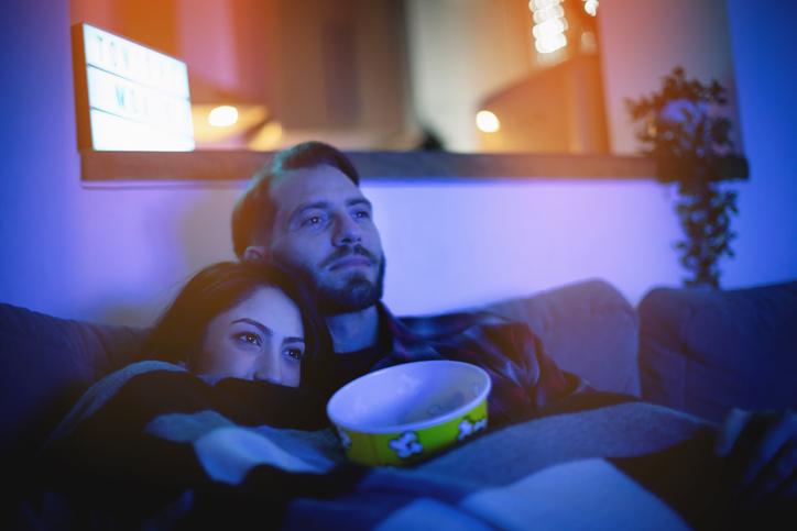 Como montar uma sala de cinema em casa? Confira estas 4 dicas!