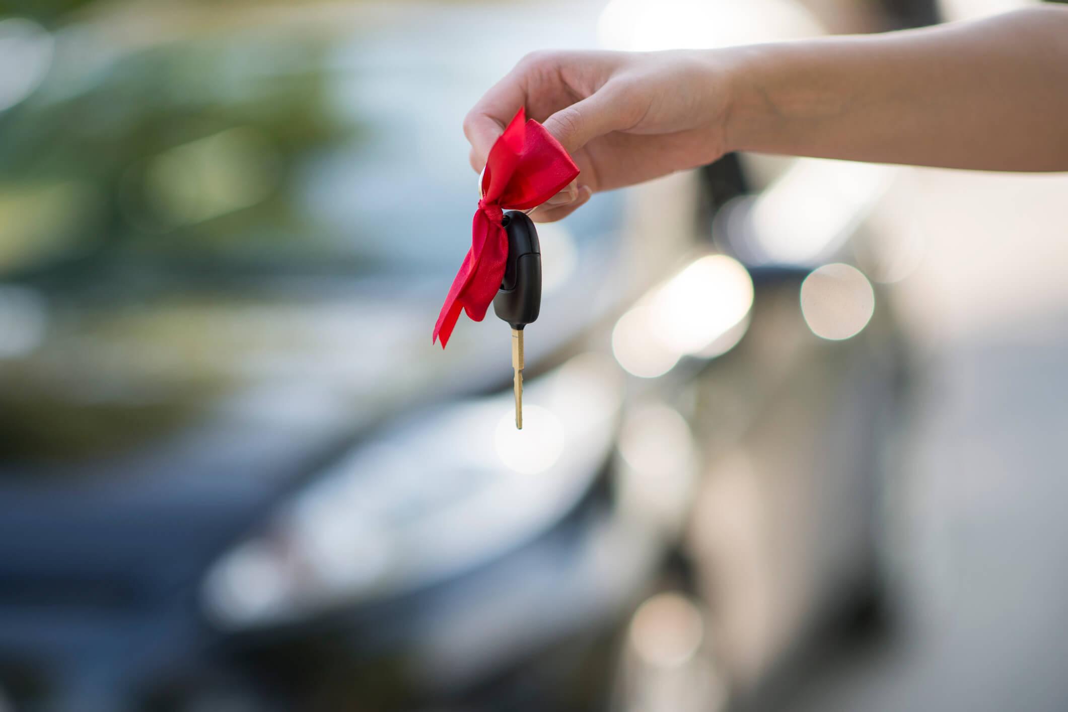 Afinal, dar um carro de presente para o filho é uma boa ou má ideia?
