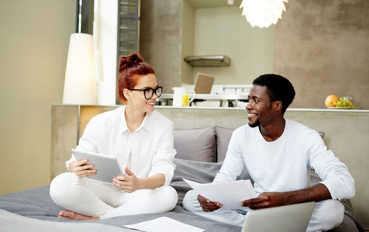 Como economizar nas contas de casa em tempos de crise econômica?