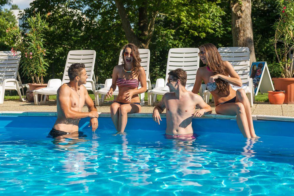 Vale a pena ter uma piscina em casa? Confira os prós e contras!