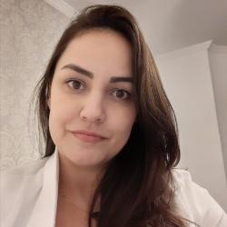 Debora Camargo