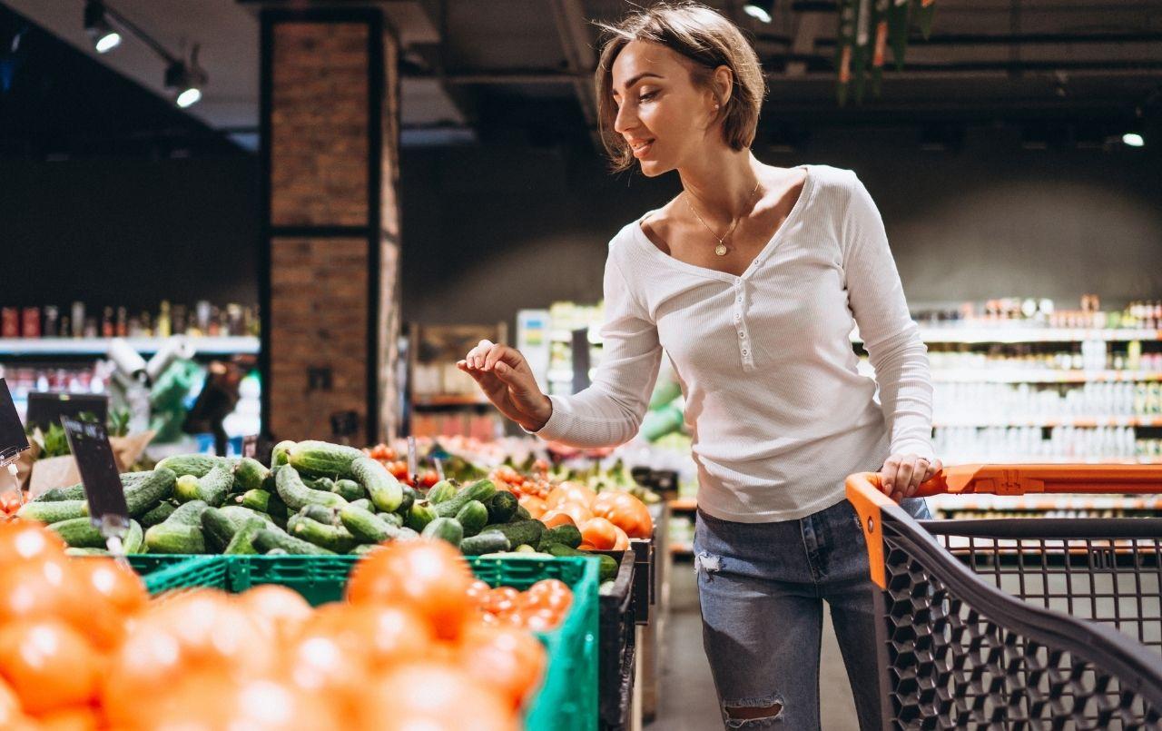 10 importantes dicas para economizar nas compras de casa