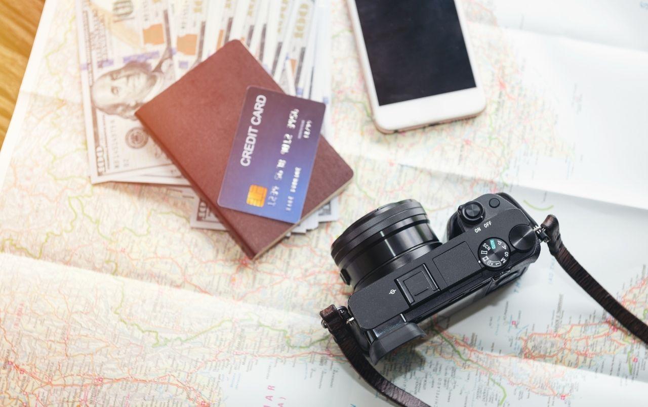 Jeitos criativos de economizar dinheiro para viajar